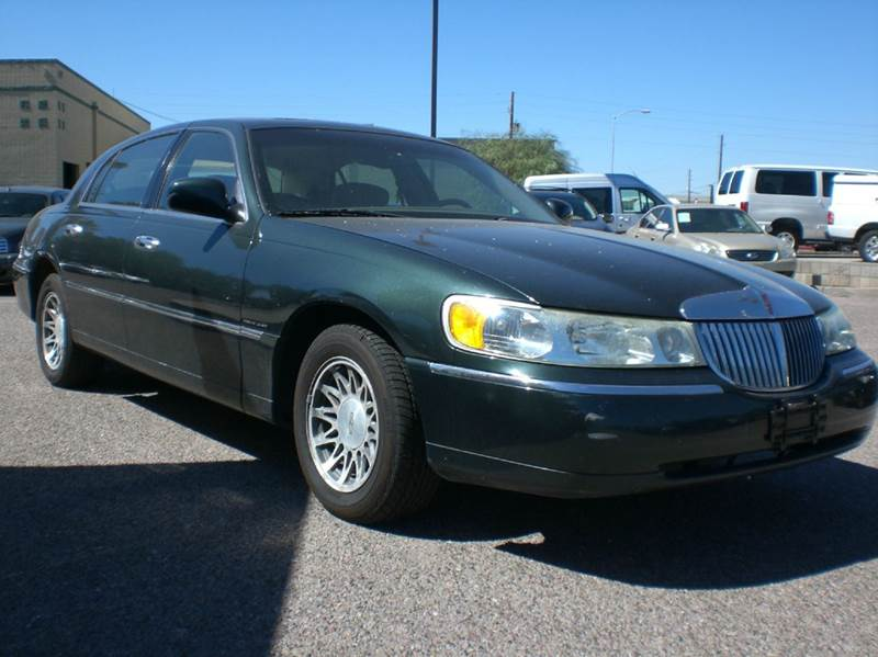 2002 LINCOLN TOWN CAR SIGNATURE 4DR SEDAN abs - 4-wheel adjustable pedals - power air suspension