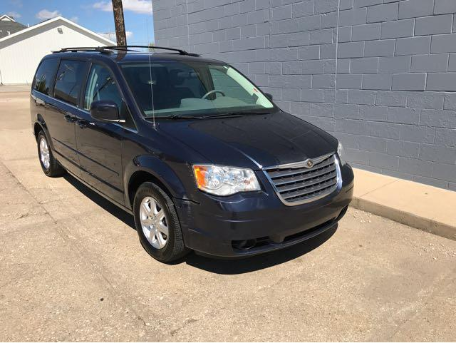 2008 Chrysler Town and Country Touring 4dr Mini-Van - Salina KS