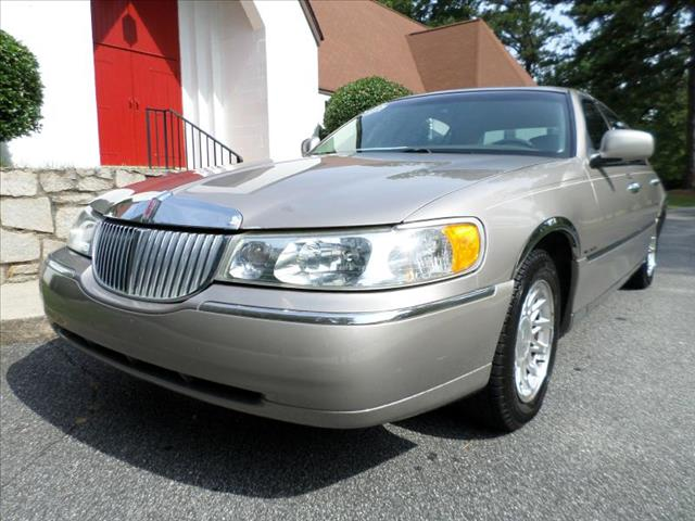 1999 Lincoln Town Car for sale in Tucker GA