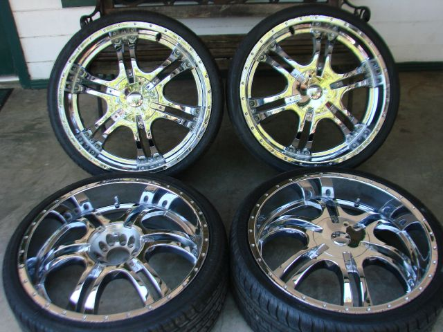 2002 CHROME RIMS 22'S