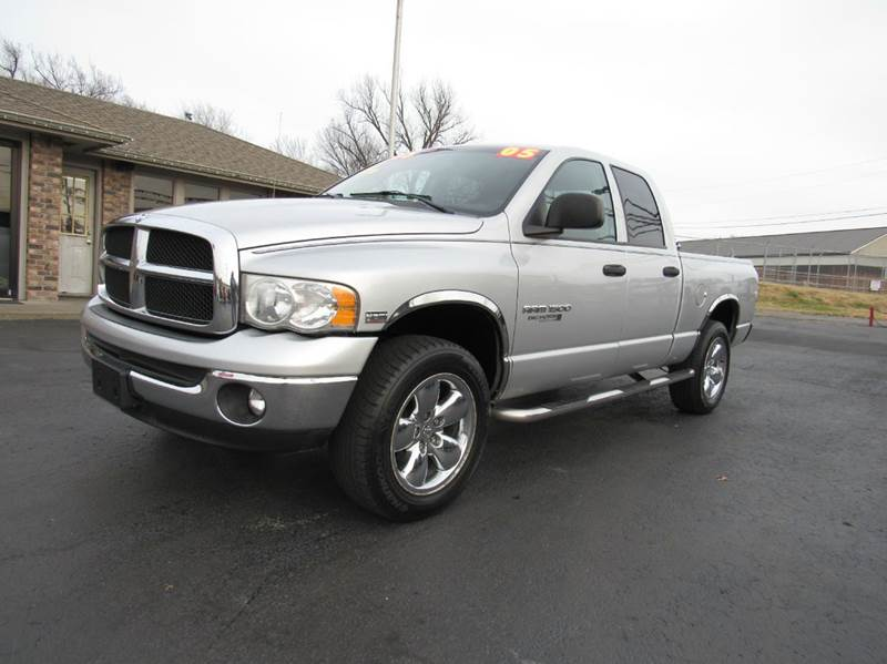 2005 dodge ram pickup 1500 slt 4dr quad cab 4wd sb in joplin mo d j auto sales. Black Bedroom Furniture Sets. Home Design Ideas