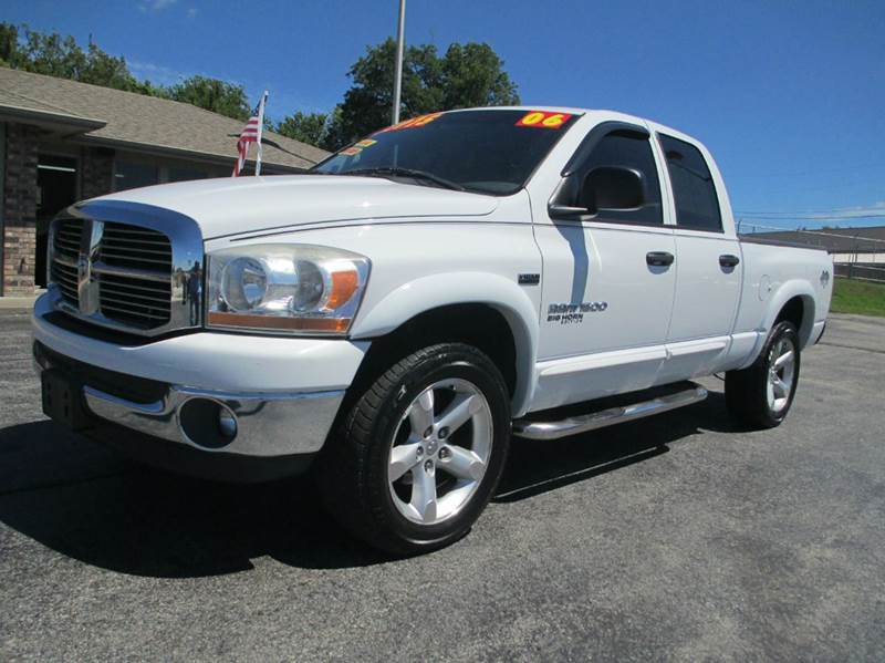 2006 dodge ram pickup 1500 slt 4dr quad cab 4wd sb in joplin mo d j auto sales. Black Bedroom Furniture Sets. Home Design Ideas
