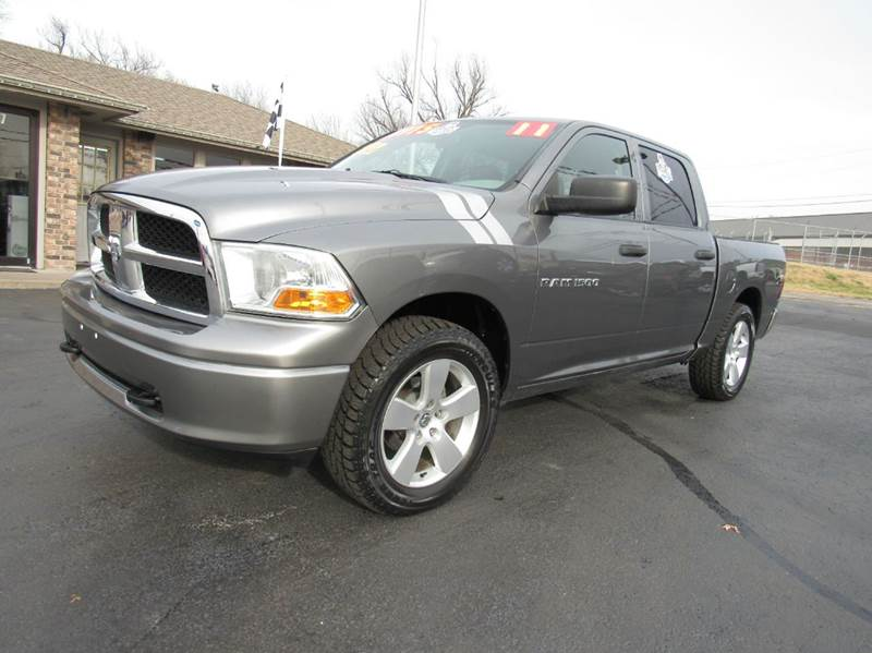 2011 ram ram pickup 1500 4x4 slt 4dr crew cab 5 5 ft sb pickup in joplin mo d j auto sales. Black Bedroom Furniture Sets. Home Design Ideas