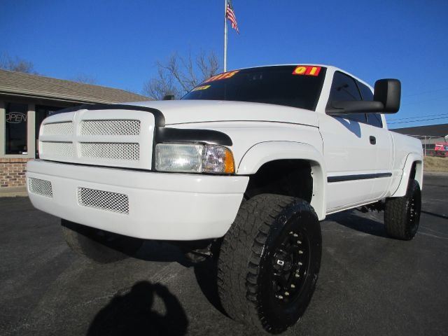 used 2001 dodge ram pickup 2500 slt plus in joplin mo at d j auto sales. Black Bedroom Furniture Sets. Home Design Ideas