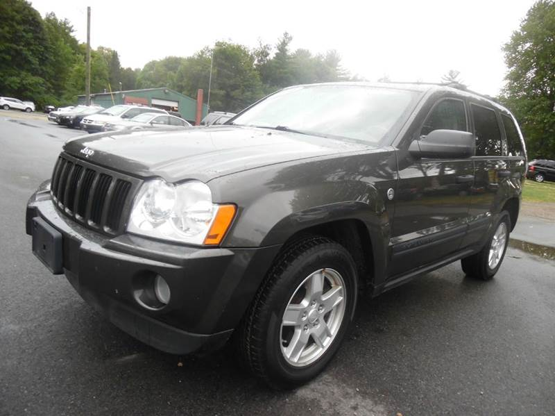2006 jeep grand cherokee laredo 4dr suv 4wd w front side for Lewis motor sales brentwood nh