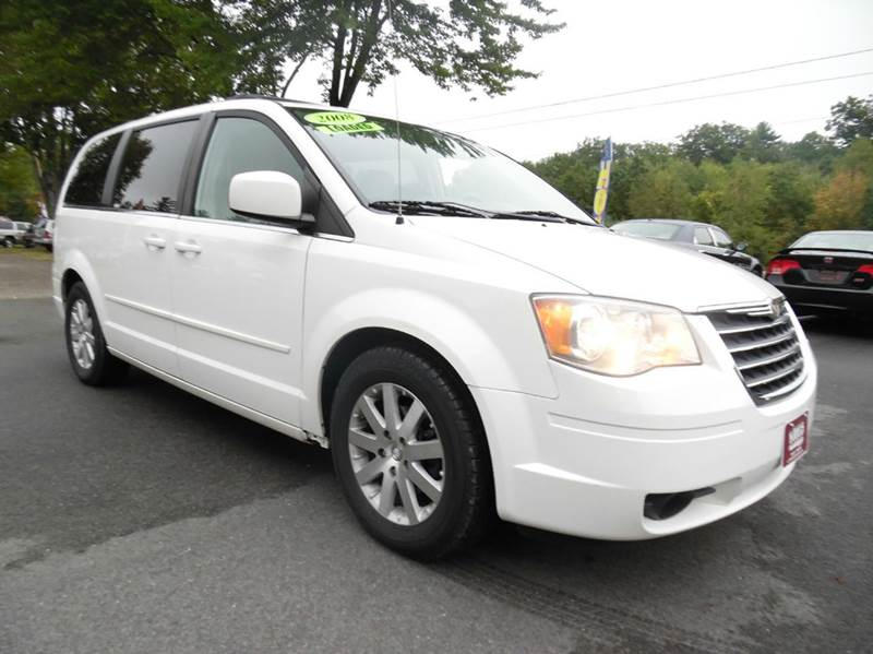2008 chrysler town and country touring 4dr mini van in for Lewis motor sales brentwood nh