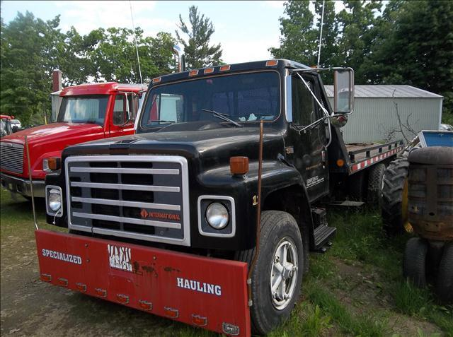 1987 international s1700 roll back in brentwood nh lewis for Lewis motor sales brentwood nh
