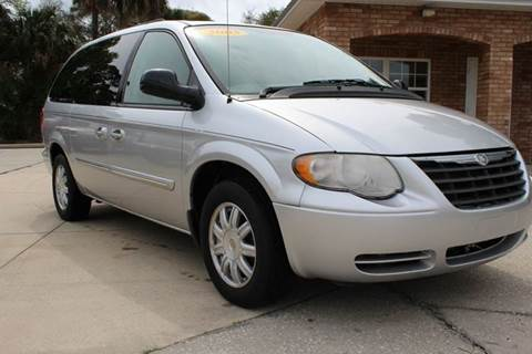 2005 Chrysler Town and Country for sale in Edgewater, FL