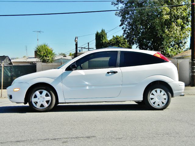 2006 ford focus zx3 se 2dr hatchback for sale in arleta. Black Bedroom Furniture Sets. Home Design Ideas