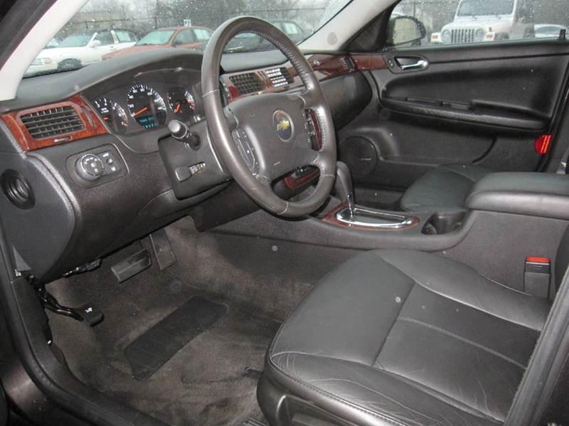 2009 Chevrolet Impala LTZ 4dr Sedan - Pontiac MI