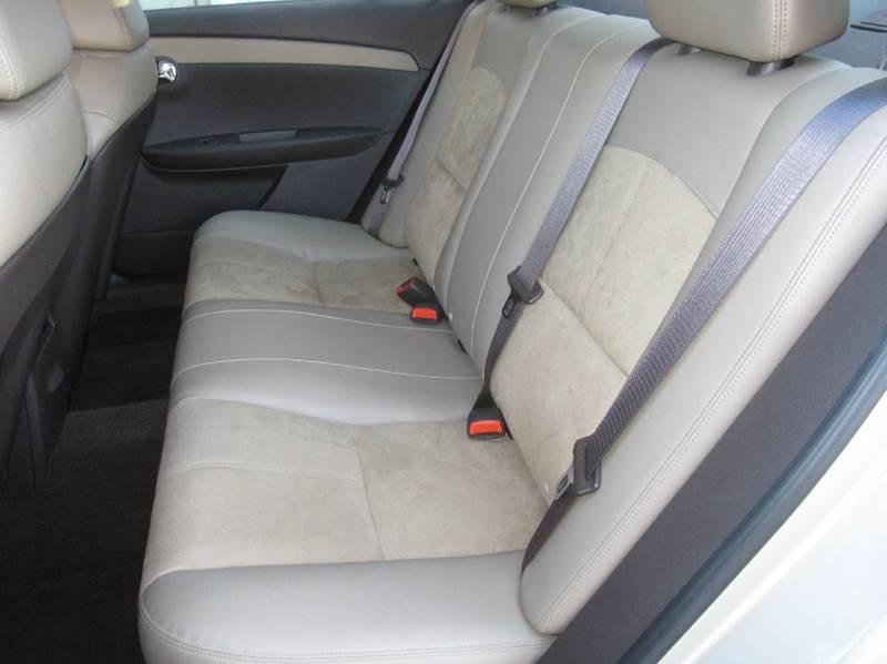 2010 Chevrolet Malibu LT 4dr Sedan w/2LT - Pontiac MI
