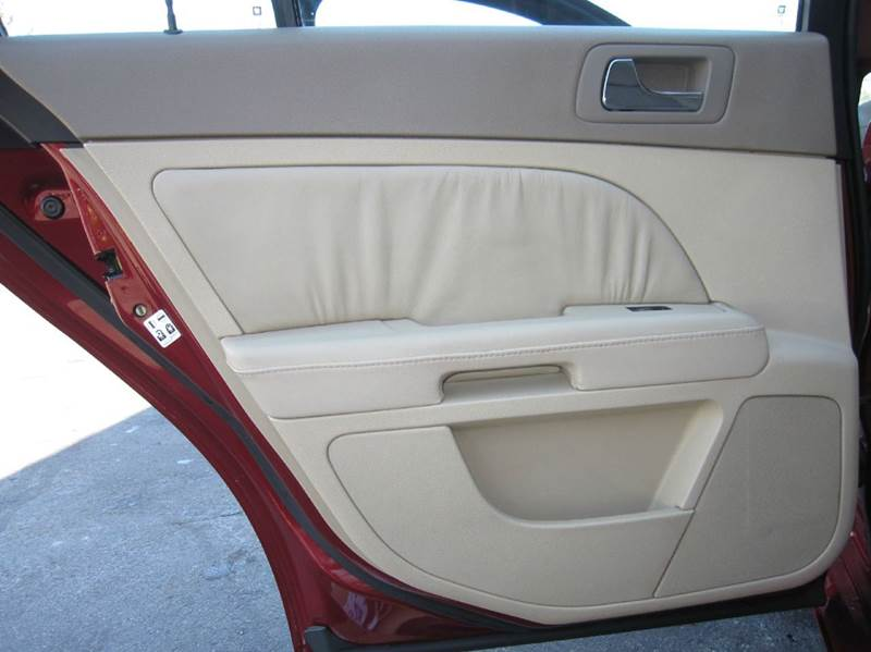 2006 Cadillac STS V8 4dr Sedan - Pontiac MI