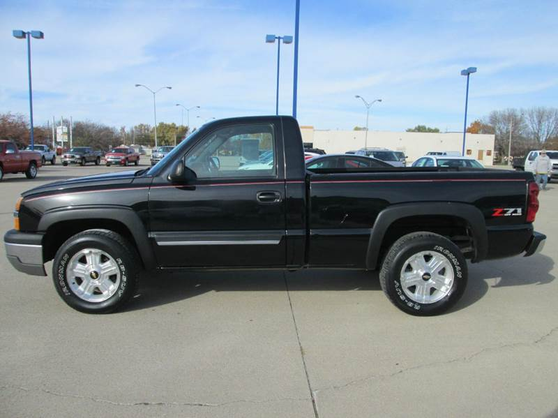2004 chevrolet silverado 1500 2dr standard cab z71 4wd sb in fort dodge ia fort dodge motors. Black Bedroom Furniture Sets. Home Design Ideas