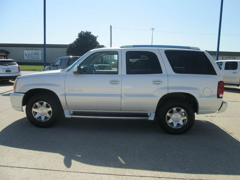 2004 Cadillac Escalade Awd 4dr Suv In Fort Dodge Ia Fort