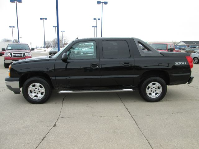 2005 chevrolet avalanche 1500 z71 4dr crew cab 4wd in fort. Black Bedroom Furniture Sets. Home Design Ideas