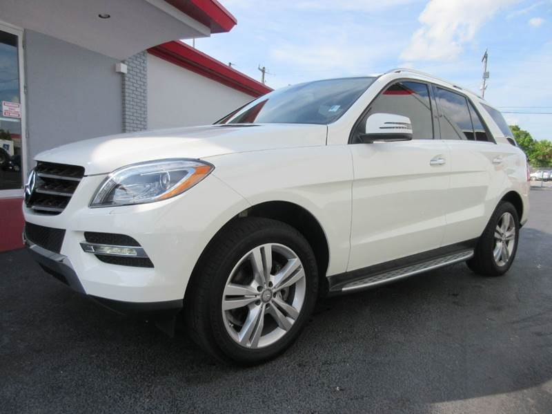 2013 MERCEDES-BENZ M-CLASS ML350 4MATIC AWD 4DR SUV white here we have a 2013 mercedes benz ml 35