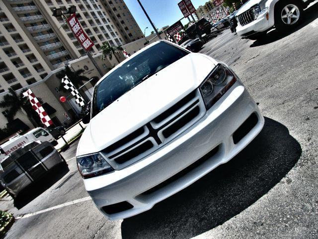 2013 DODGE AVENGER SE 4DR SEDAN white executive motors is a family owned and operated dealership t