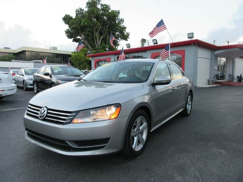 2012 VOLKSWAGEN PASSAT SE 4DR SEDAN 6A silver here is a 2012 vw passat in a beautiful silver with