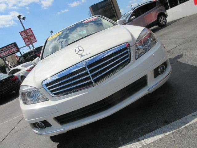 2011 MERCEDES-BENZ C-CLASS C300 LUXURY 4DR SEDAN white the electronic components on this vehicle
