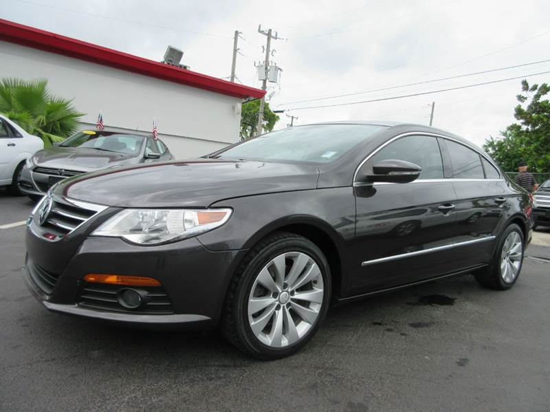 2009 VOLKSWAGEN CC SPORT 4DR SEDAN 6A charcoal executive motors is a family owned and operated de