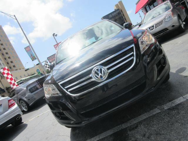 2011 VOLKSWAGEN TIGUAN S 4DR SUV 6A black there are no electrical problems with this vehicle  no