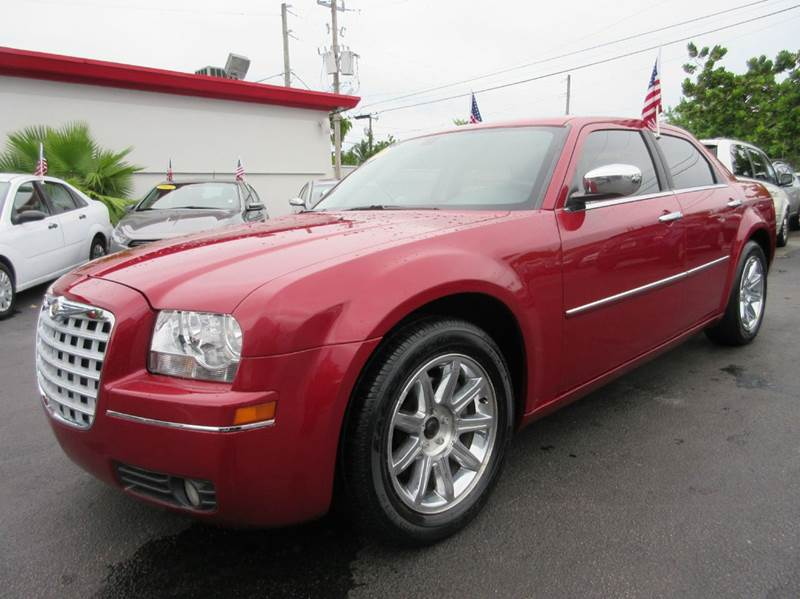 2010 CHRYSLER 300 TOURING 4DR SEDAN W23E red executive motors is a family owned and operated dea