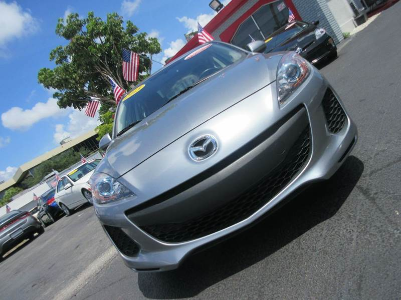 2013 MAZDA MAZDA3 I SPORT 4DR SEDAN 6A blue gray executive motors is a family owned and operated d