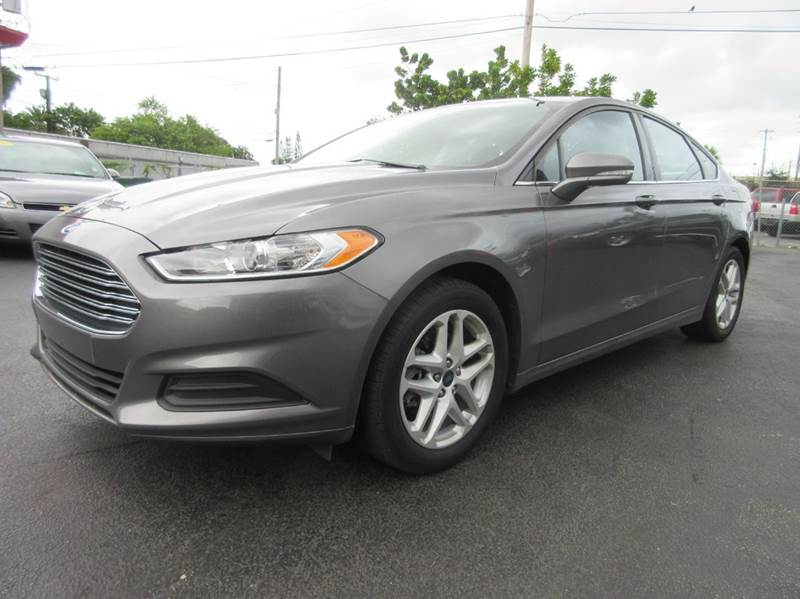2014 FORD FUSION SE 4DR SEDAN grey this 2014 ford fusion is an amazing vehicle and a huge gas save