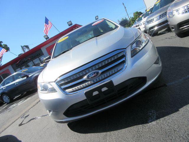 2010 FORD TAURUS SE 4DR SEDAN silver executive motors is a family owned and operated dealership t