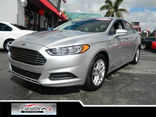 2013 FORD FUSION SE 4DR SEDAN ingot silver this vehicle is extra clean clean carfax report - this