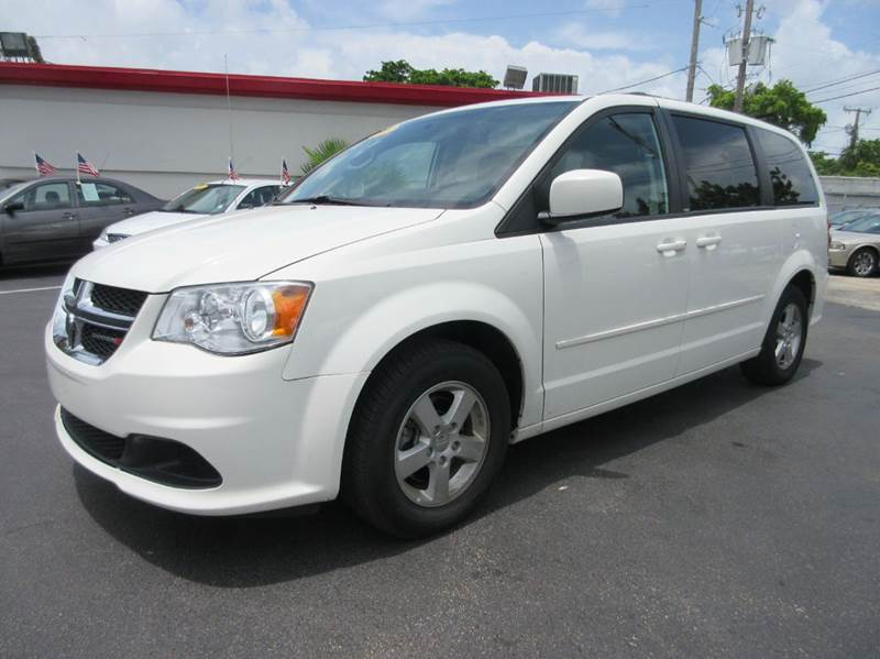 2013 DODGE GRAND CARAVAN SXT 4DR MINI VAN white executive motors is a family owned and operated de