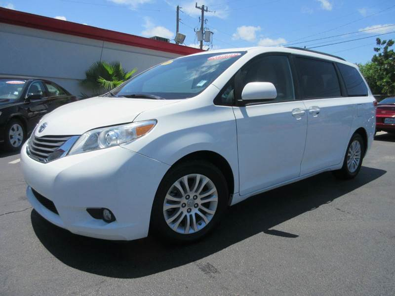 2011 TOYOTA SIENNA XLE 8-PASSENGER 4DR MINI VAN white executive motors is a family owned and opera