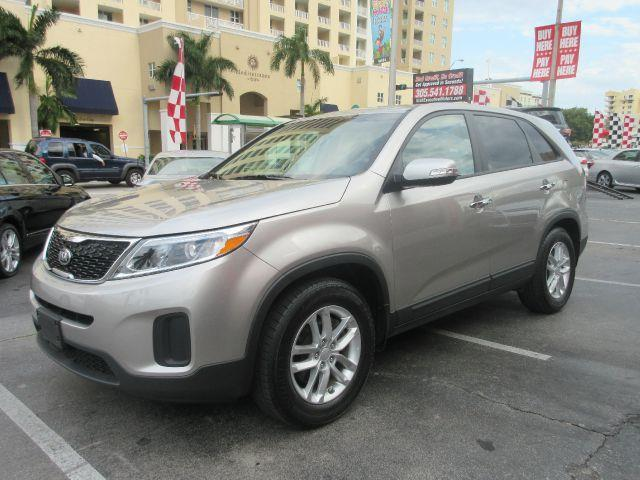 2014 KIA SORENTO LX 4DR SUV silver the electronic components on this vehicle are in working order