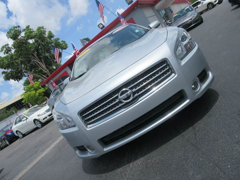 2011 NISSAN MAXIMA 35 S 4DR SEDAN silver executive motors is a family owned and operated dealersh