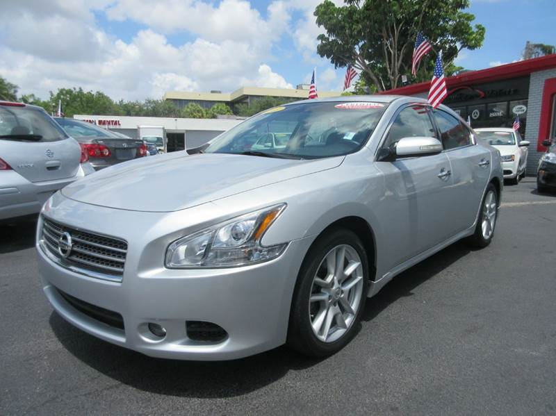 2011 NISSAN MAXIMA 35 S 4DR SEDAN silver executive motors is a family owned and operated dealers