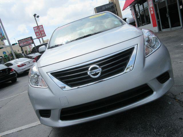 2013 NISSAN VERSA 16 S 4DR SEDAN 4A silver you wont find any electrical problems with this vehic