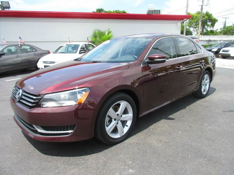2013 VOLKSWAGEN PASSAT SE PZEV 4DR SEDAN 5M burgundy executive motors is a family owned and operat