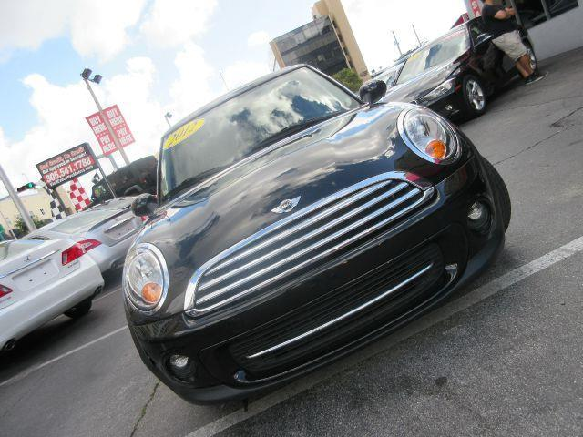 2012 MINI COOPER HARDTOP BASE 2DR HATCHBACK black there are no electrical problems with this vehi