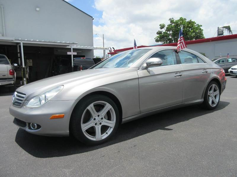 2006 MERCEDES-BENZ CLS-CLASS CLS500 4DR SEDAN gold executive motors is a family owned and operated