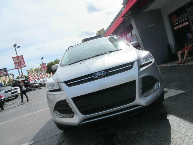 2013 FORD ESCAPE SE 4DR SUV silver 2-stage unlocking - remote abs - 4-wheel air filtration air