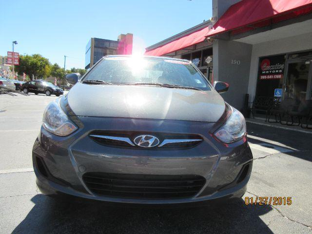 2012 HYUNDAI ACCENT GLS 4DR SEDAN 6A abs - 4-wheel active head restraints - front and rear airbag