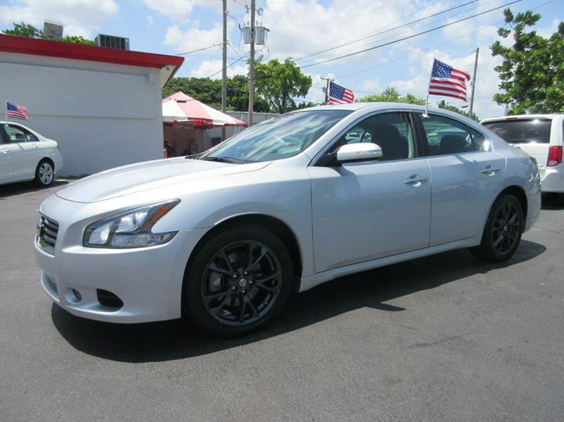 2012 NISSAN MAXIMA 35 S 4DR SEDAN silver executive motors is a family owned and operated dealersh