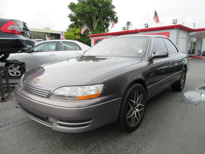 1995 LEXUS ES 300 BASE 4DR SEDAN dark grey this is an all original 1995 lexus es-300 with all the