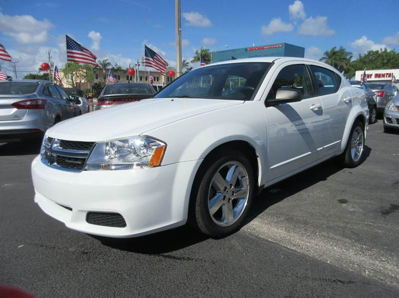 2012 DODGE AVENGER SE 4DR SEDAN white best in class for v-6 many more luxury features are includ