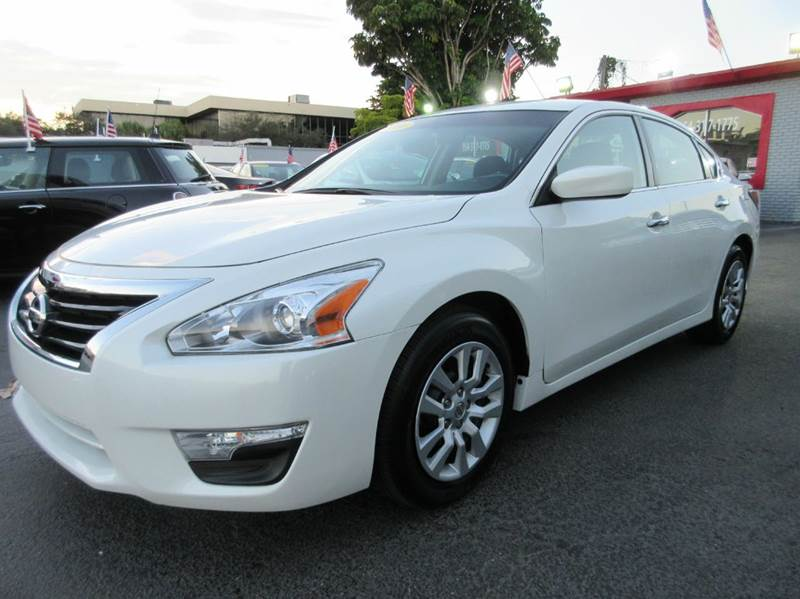 2014 NISSAN ALTIMA 25 S 4DR SEDAN white advertised price is amount financed with a two thousand f