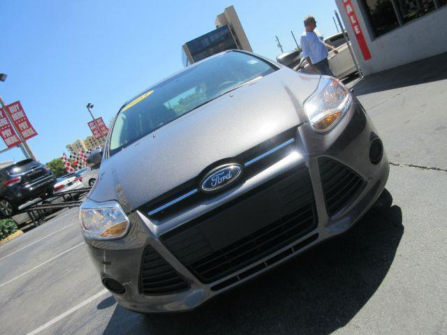 2013 FORD FOCUS SE 4DR SEDAN grey the electronic components on this vehicle are in working order