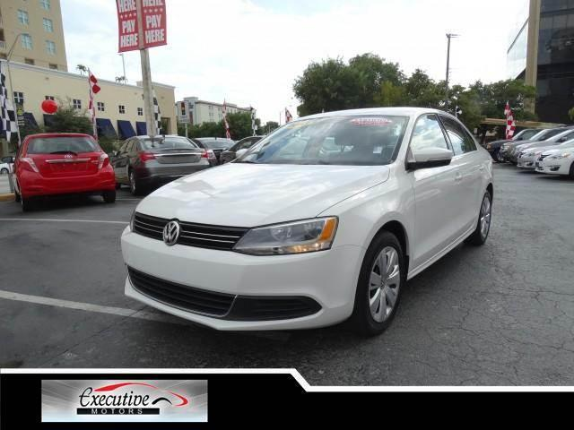2013 VOLKSWAGEN JETTA 25L SE SEDAN 4D candy white special offer take advantage of our equity spe