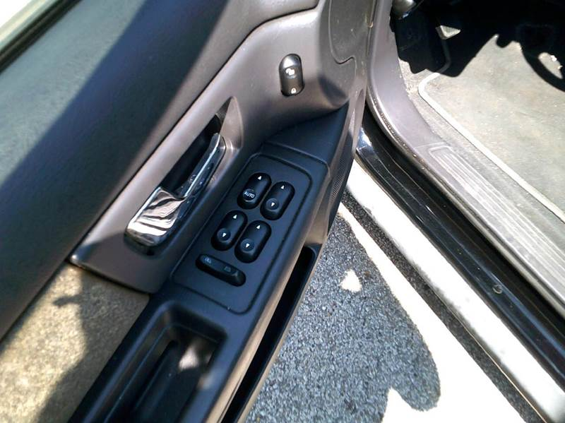 2003 Ford Taurus SES 4dr Sedan - Adel IA