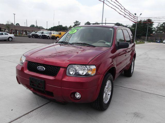 2007 FORD ESCAPE LIMITED 2WD red down payment 2000  excel motors offers an extensive inventory of