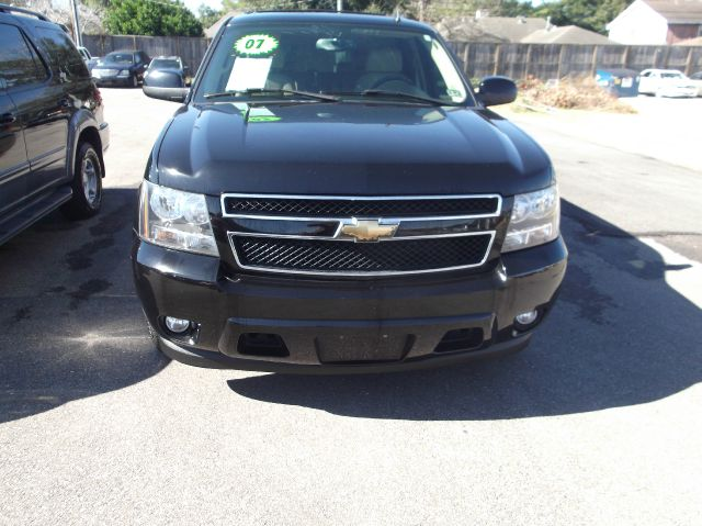 2007 CHEVROLET SUBURBAN LTZ black its so easy to be approved here your job  bills get you on th